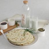 Latte e piadina (молоко и лепешки)