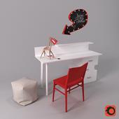 Письменный стол и декор