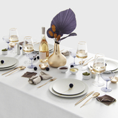Tablesetting with Protea and palm