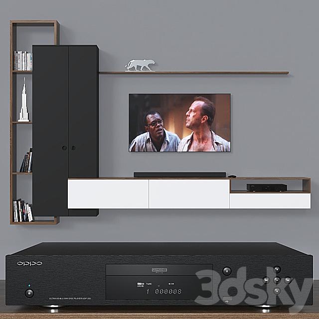 TV wall 019.