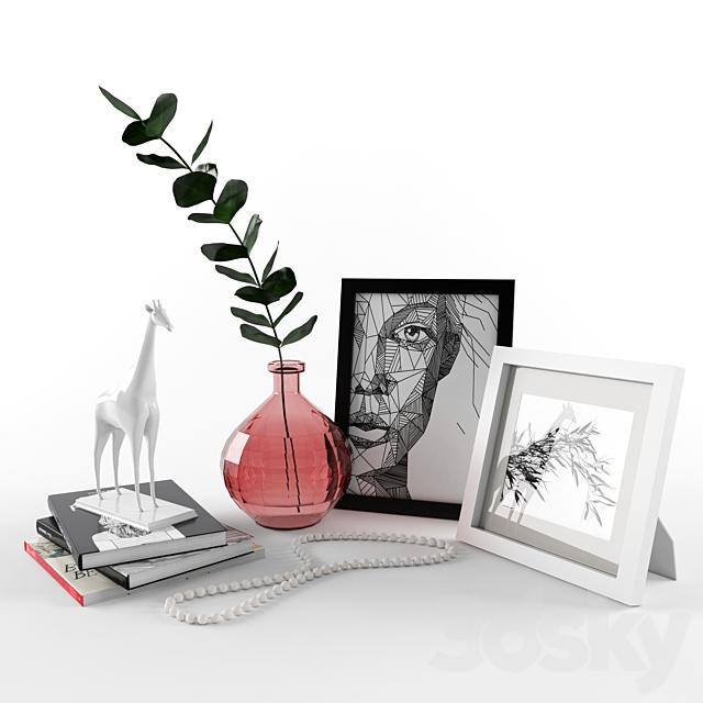 Decorative set with giraffe figurine.