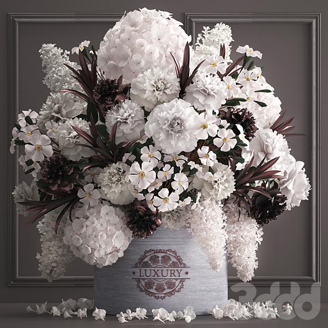 Букет цветов в подарочной коробке 88.