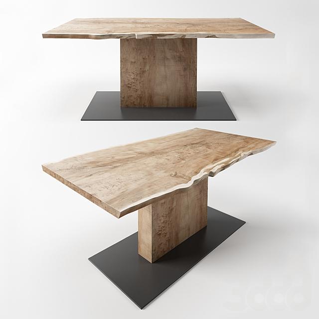 стол с центральной ногой от мастерской IVAN CHUDOV